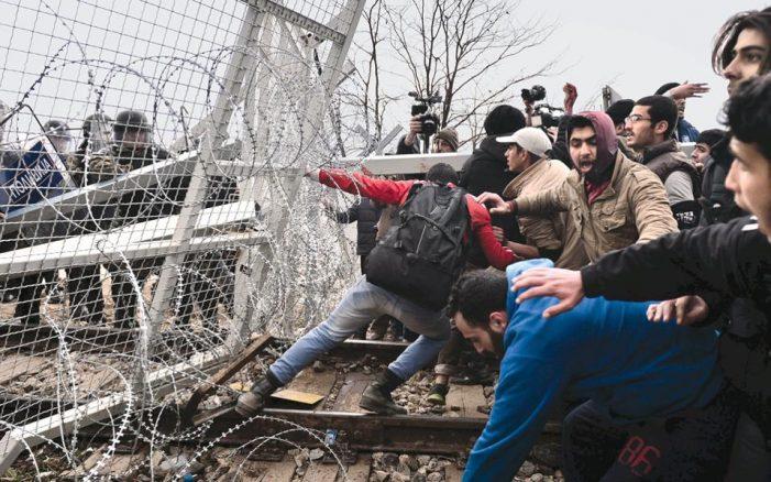 Πάνω από 25.000 εγκλωβισμένοι μετανάστες σε όλη τη χώρα